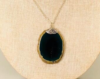 Dark Green Agate Pendant Necklace