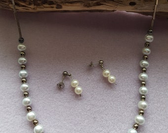 Gorgeous Handmade Freshwater Pearl Necklace and Earring Set