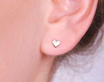 14k solid Gold Heart Stud Earrings, gold Heart studs, 14k gold Heart Small Earrings, Solid Gold Earrings, Gold Post, Solid Gold, Heart shape