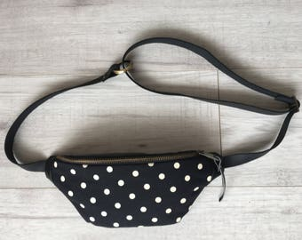 Black fanny pack with white dots, Belt bag, Hip bag, Bum bag, Festival pouch, Hands free bag, Waist bag, Festival bag, Party bag, Pocket bag
