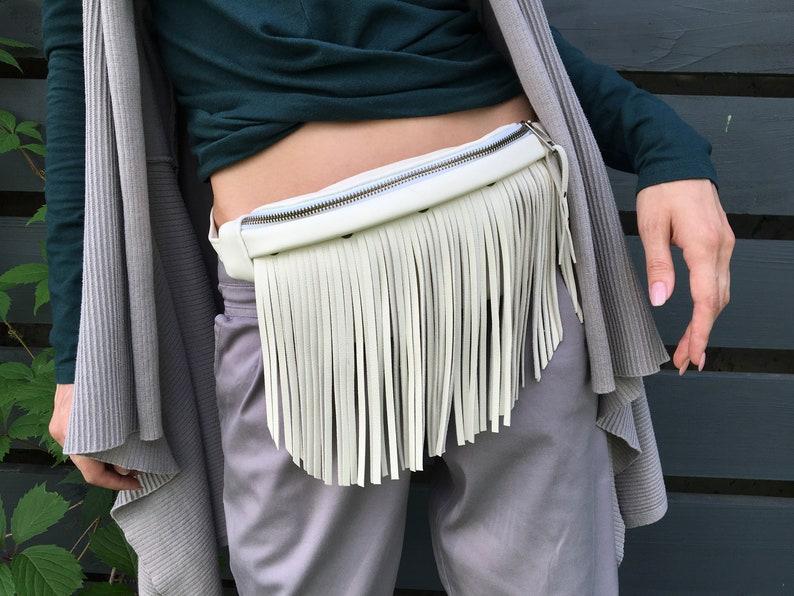 Beige leather fringe fanny pack Leather bum bag Fanny pack festival Small waist bag Burning man hip bag Fringe crossbody bag Bum bag white