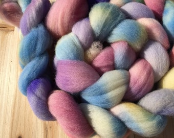 Kitty's Ribbons - Hand dyed Domestic Combed Top - Austen Inspired - 4 oz