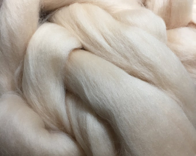 Vanilla Cream Merino Combed Top By the Ounce