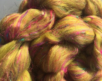Just Grinched 4 oz Merino/Sari Silk Combed top - Custom Blend