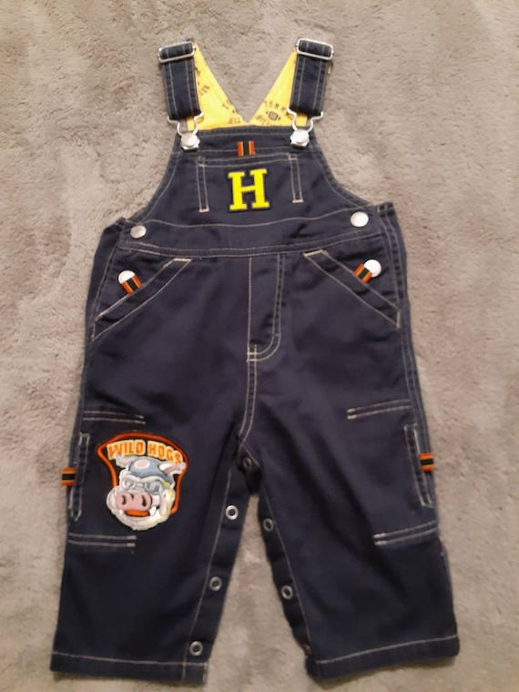 """Tommy Hilfiger """"Wild Hogs"""" Blue Jean Overalls Yell"""