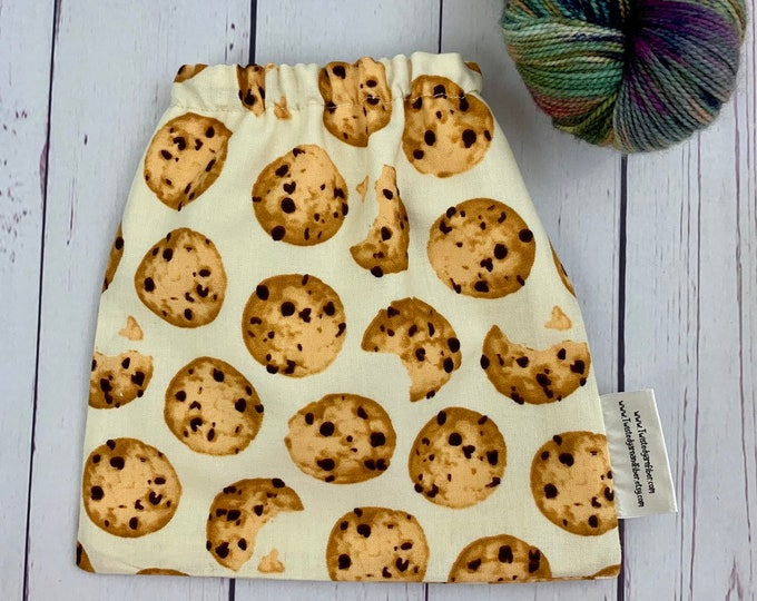 Chocolate Chip Cookies , Yarn Ball bag, Yarn Bowl, Yarn Holder, Yarn cake Bag, Holds Yarn Mini-Most Bulky