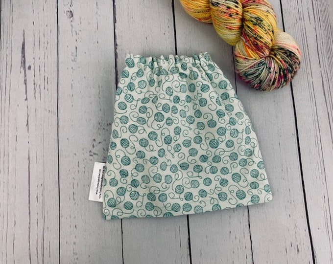 Green Yarn Balls, Yarn Ball bag, Yarn Bowl, Yarn Holder, Yarn cake Bag, Holds Yarn Mini-Most Bulky