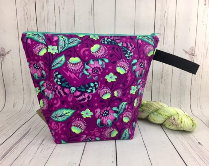 Fantasy Woods w/ Skullfly, Bucket Bag w/Zipper Top ,Large Knitting project bag, Crochet project bag, Yarn tote, Shawl Knitting bag
