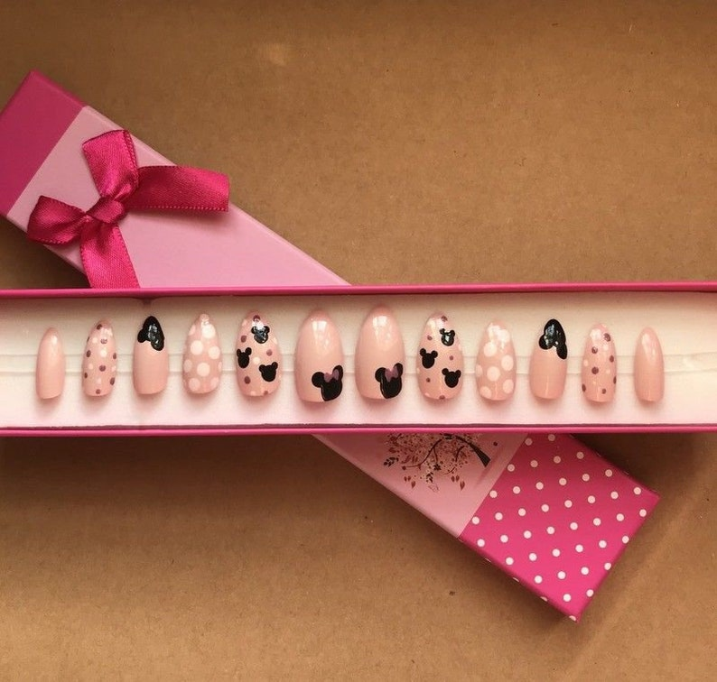"""<Span Data Inner Title="""""""">A Set Of Hand Painted False Nails. Full Cover. Stiletto (Or Any Shape) Nude Pink Mouse (Gift Box Option)</Span> by Etsy"""