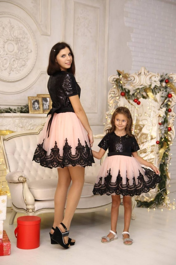 Assorti robe Tutu, mère fille assortie robes de Noël, maman et moi tenues,  noir et rose dentelle robes de sequin, assorties de tenues