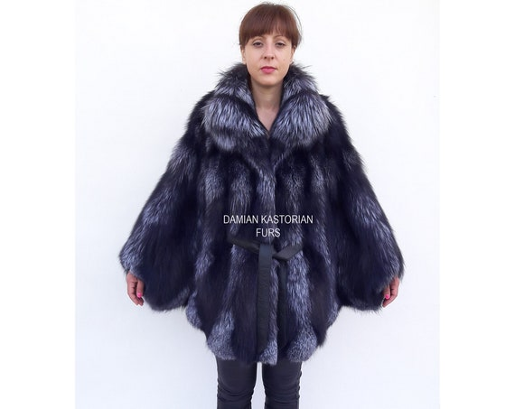 BRAND NEW!! SiLVER/fOX/fUR/CAPE/with collar/one size/jacket/coat