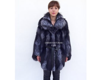 BRAND NEW!! SiLVER fOX fUR CAPE with collar one size