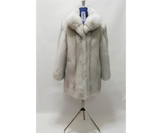 FUR COAT / bLUE fOX fUR COAT /  / fur jacket  / real fur / present / coat / women clothing / fur / fox fur / fox fur coat / fur coats women