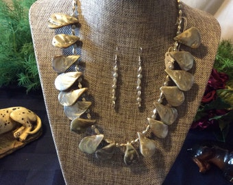 Grey beaded necklace 2A