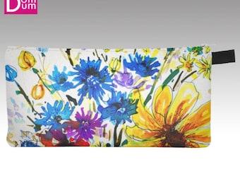 Case pencil or makeup, printed pattern of watercolor wildflowers