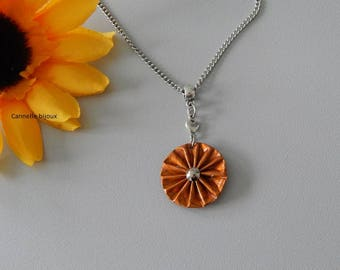 Stainless steel with caramel capsule striped pleated flower chain necklace
