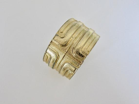 Lanvin 1970, large bracelet cuff logotype gold met