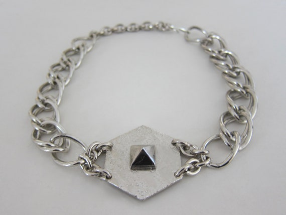 1960, dog collar space age hexagon silver metal. U