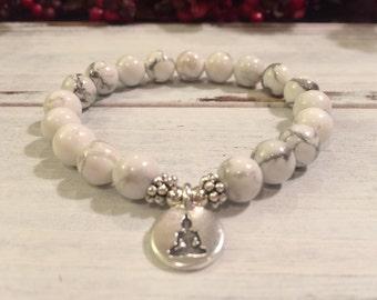 Genuine Howlite Bracelet, Healing Bracelet, Wrist Mala Beads, Nurturing, Calming, Anger Release, Increasing Spiritual Awareness, Yoga Gift