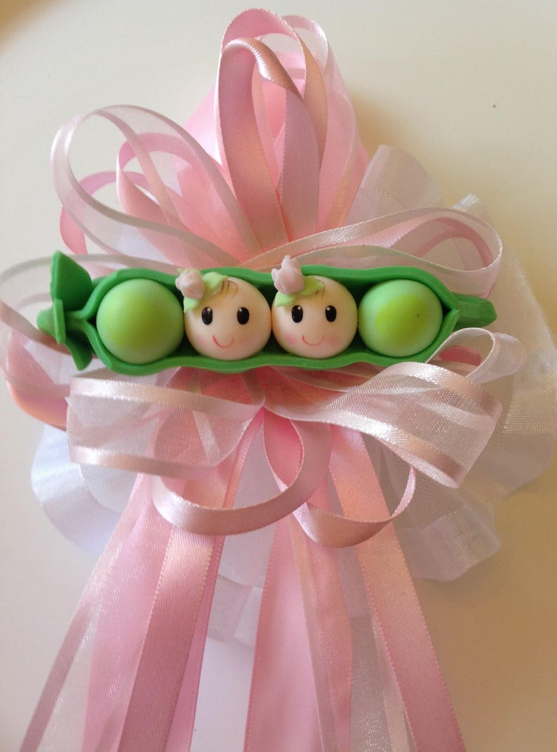 Sweet Pea Pea in a Pod Mommy To Be Corsage Pin Capia for Baby Shower