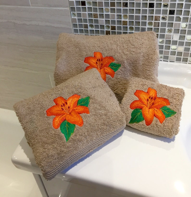 Hand Bath Towels ANY NAME New Personalised Bath//Hand Towels and Facecloths