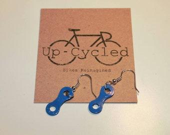 Single Chainlink Earrings in Electric Blue