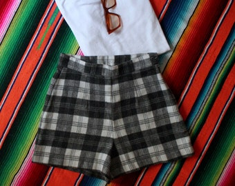 Vintage high waisted shorts flannel