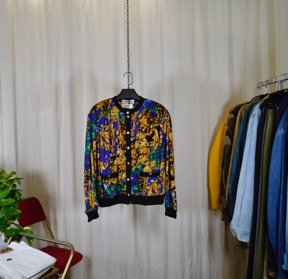Buttoned jacket / wool fabrics with baroque prints