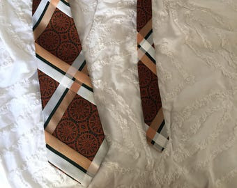 Vintage 1970s Resisto Mens Necktie - Red, White and Gold