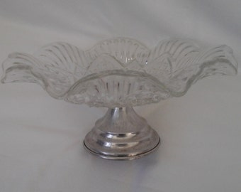 Vintage footed cake serving dish in clear glass