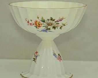 ROYAL WORCESTER Porcelain C1980s Fluted Footed Floral Dish