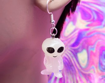Glow in the Dark Alien Earrings Baseball Players / Alien Earrings / Nostalgic Toys / Coin Machine Toys / Vaporwave Earrings / Retro Earrings