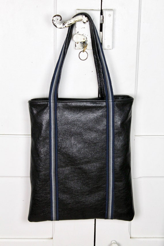Vintage style Black leather man bag with stripy straps