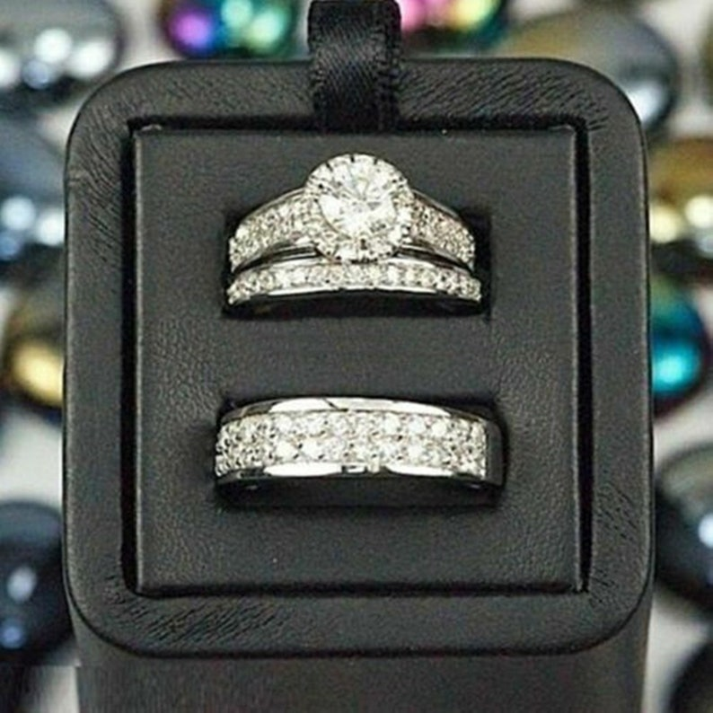 Couple Band Ring Round Cut Diamond Halo Engagement Ring Set Woman/'s Diamond Ring Set Men/'s Diamond Band Wedding Ring Set His /& Her Ring