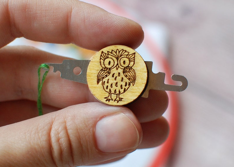 Needle threader and Needle Minder Owl Cross stitch Embroidery Sewing Threader Needle Needlepoint Crewel Sewing Quilting owl Gift for mother