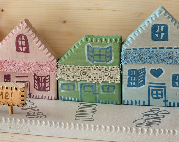 "Upcycled wood ""Welcome Village"" romantic style decoration."