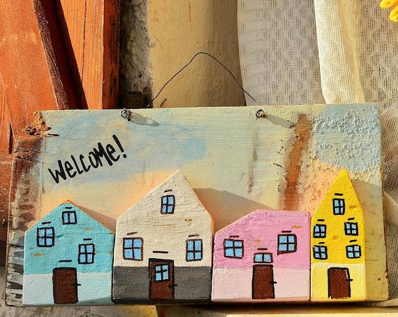 "Shabby style ""Welcome"" upcycled wood wall decoration."