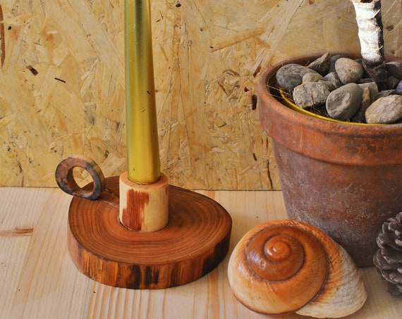 "Wooden natural style ""Bugia"" candle holder."