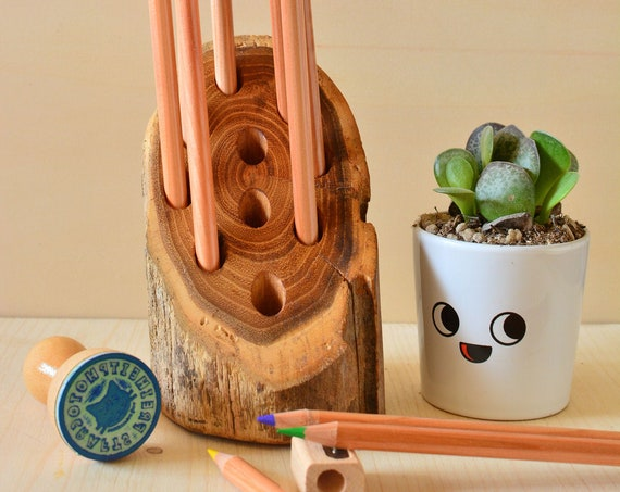 """Upcycled wooden desk organizer """"Rubbe""""."""