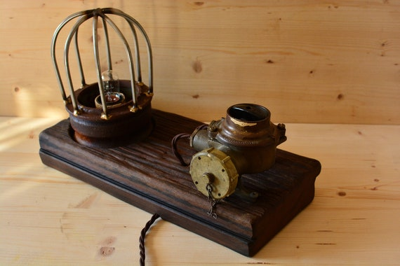 "Upcycled wooden table lamp ""Old Mariner""."