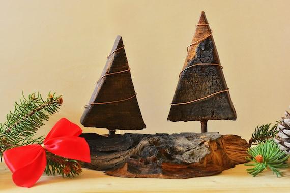 "Decorative upcycled wood miniature Christmas trees ""Foresta Bai""."