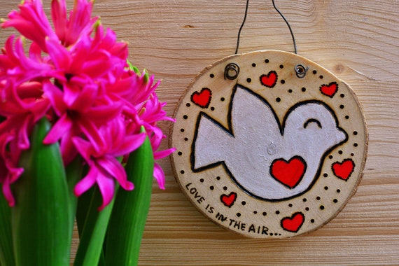 "Rustic style wood decorations ""Love birdie""."