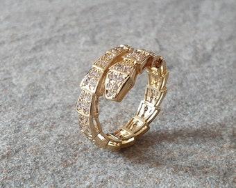 Snake Ring. Snake Swarovski crystal round ring. 925 sterling silver gold plated crystal ring. Round single snake crystal band.