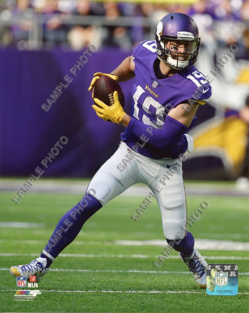 Adam Thielen Minnesota Vikings NFL Action Authentic 8x10 Photo  9b15aad71