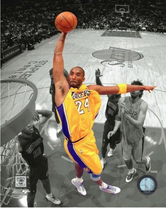 Kobe Bryant L.A Lakers  8x10 Glossy Photo