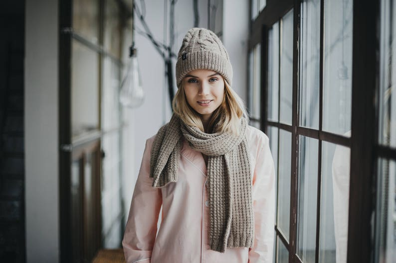 fa3660ccc5e Cadeau pour les femmes grosse écharpe laine bonnet et écharpe