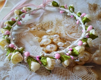 Ivory Rose Flower Crown,flower crown,Ivory rose headband,Ivory and pearl hair crown,Floral crown, Rose and pearl crown,Rose Flower hoop