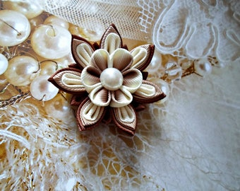 Kanzashi. Kanzashi Fabric Flowers. Shades of brown.Set of 2 hair clips.Ivory and brown.Handmade Wedding Boutonniere