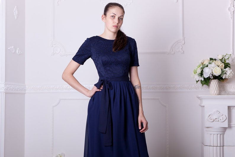 da7595f4321 Navy blue bridesmaid dress with short sleeves. Knee lenght