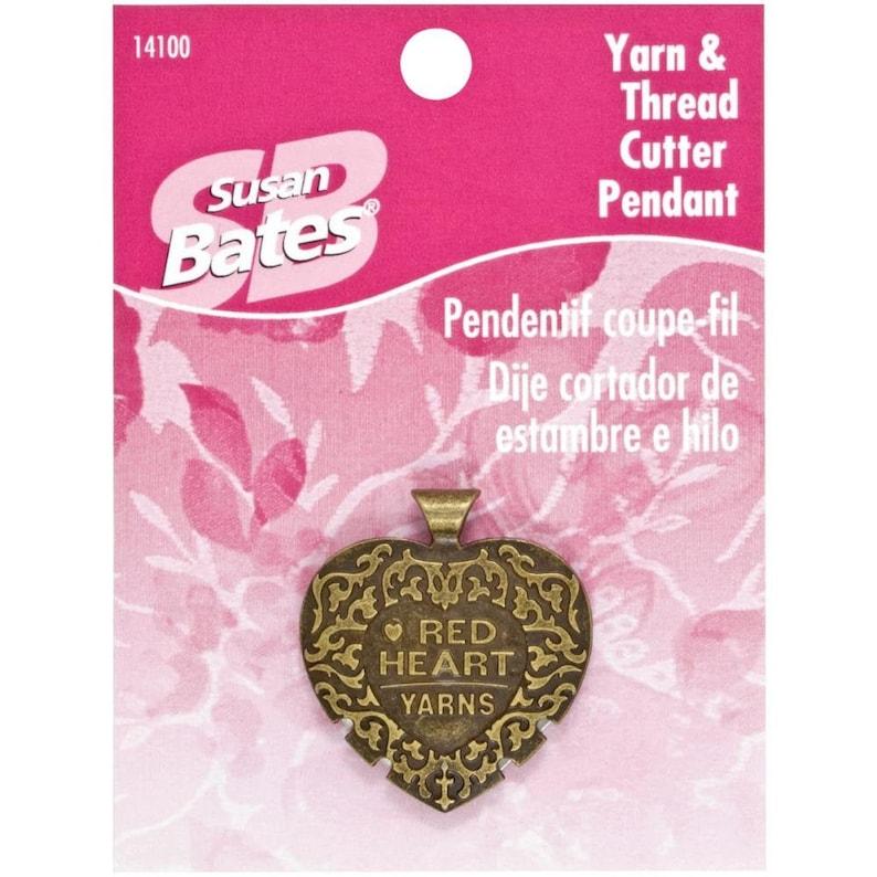 Susan Bates Yarn /& Thread Cutter Pendant